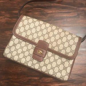 Authentic vintage Gucci GG messenger crossbody bag